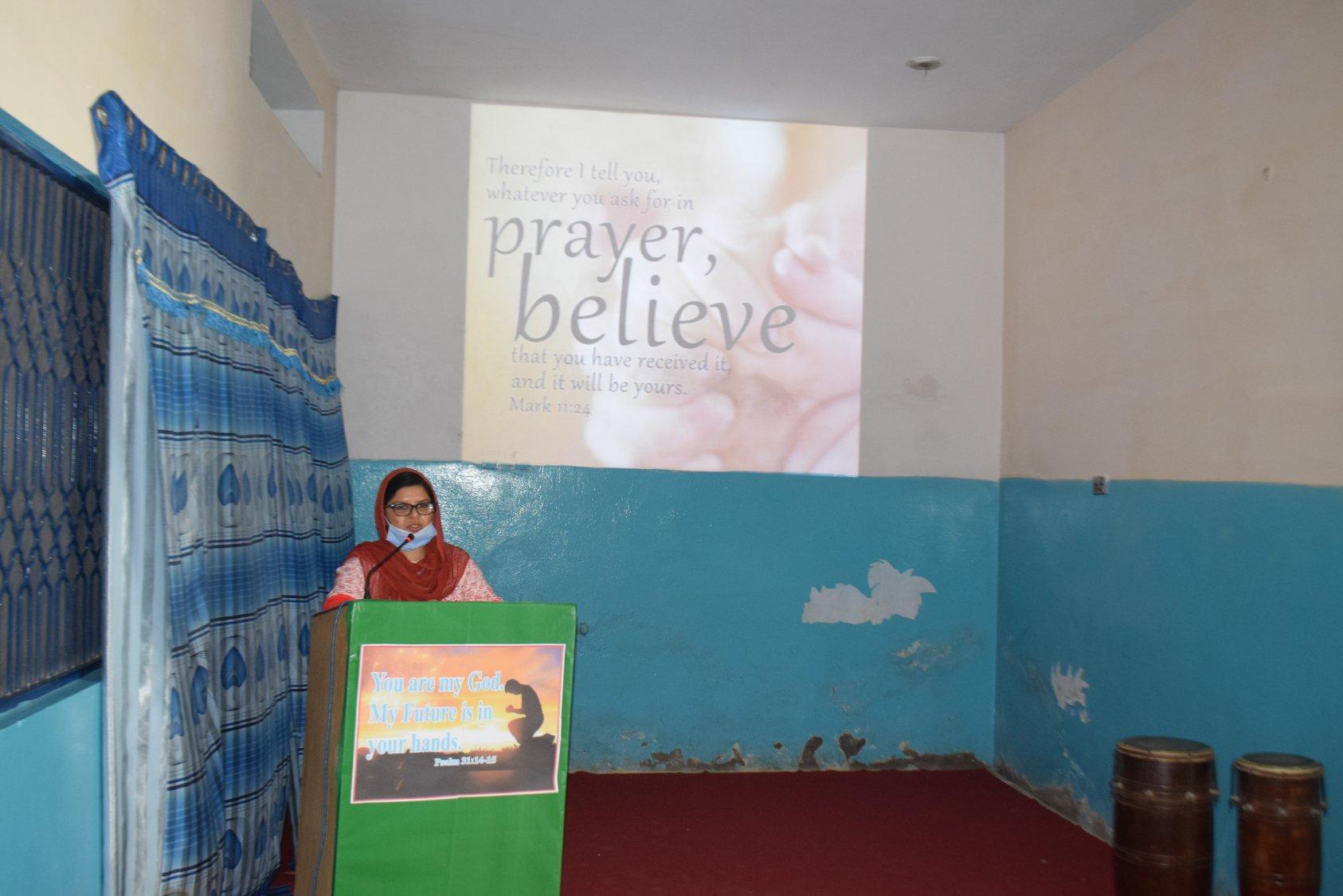 Prayer_with_FSS-1